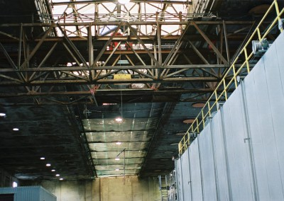 Installation of a mobile working platform onto the mills two main beams