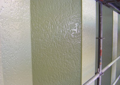 Solvent free coating applied to heavily pitted steel, after blasting