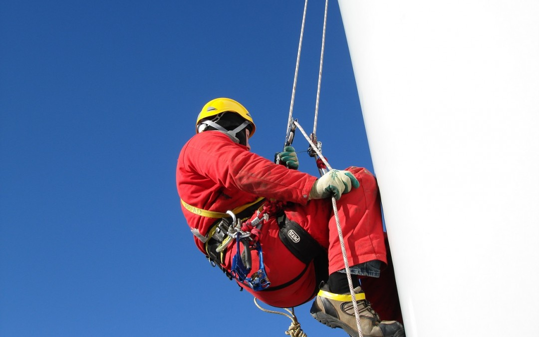 Combining Rope Access And Storage Tank Services
