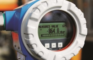 Weld seam monitoring gauge close up