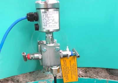 Transducer unit in tank chamber